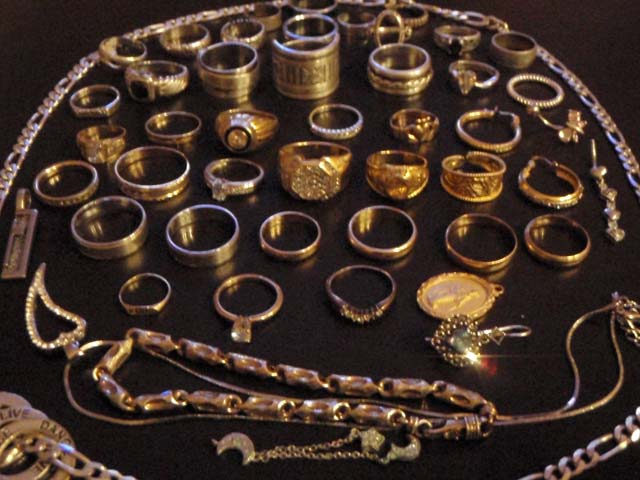 Metal Detecting Finds - Treasure Finds Pictures Relics-Coins