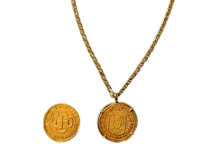 "Kellyco Spanish 8 Escudos Gold Royal Doubloon Coin Replica with 24"" Chain"